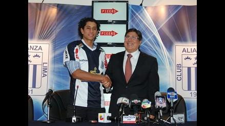 Alianza Lima presentó como nuevo refuerzo al colombiano Leonardo Castro