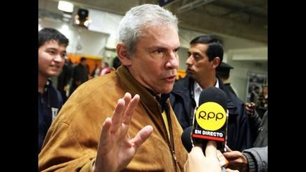 Castañeda aclara que no intentó ofender a Carlos Bruce