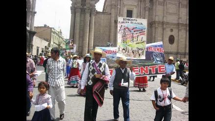 Arequipa: Protestan por instalación de torres de alta tensión en Huambo