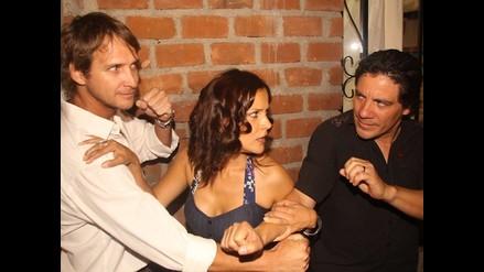 Raúl y Luis se pelean por Charo en conferencia de Al Fondo Hay Sitio