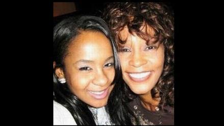Hija de Whitney Houston es fotografiada consumiendo cocaína