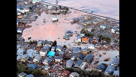 Imágenes del devastador tsunami en Japón desde el cielo