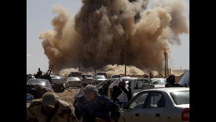 Continúa ´Odisea del amanecer´ y Gadafi amenaza con respuesta militar