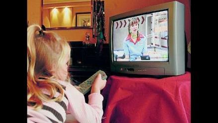 ¿Cómo puede afectar la televisión la salud de los niños?