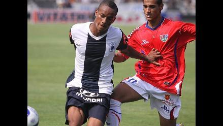 Niegan que André Carrillo se vaya a jugar a Holanda