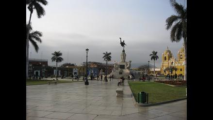 Continúa instalación de ´semáforos inteligentes´ en Trujillo