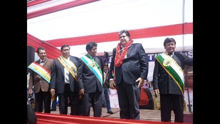 Presidente García entregó más de 18 mil títulos de propiedad en Puno