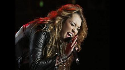 Miley Cyrus pide a su padre que la acompañe en tour por Latinoamérica