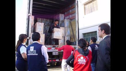 Lambayeque: Interrupción de vías impide llegada de material electoral