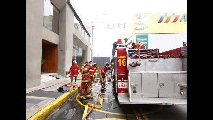 Registran incendio en local dentro del Jockey Plaza