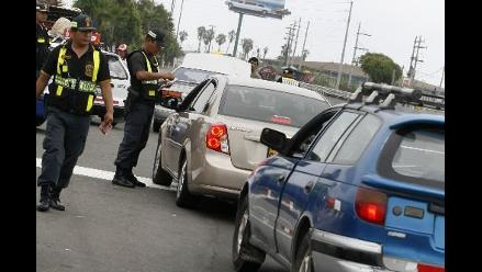 Más de 3,600 policías resguardan las carreteras por Semana Santa