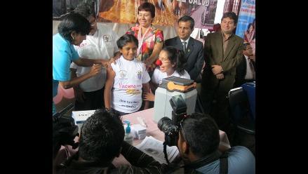 La Libertad: Inician vacunación contra el virus de papiloma humano