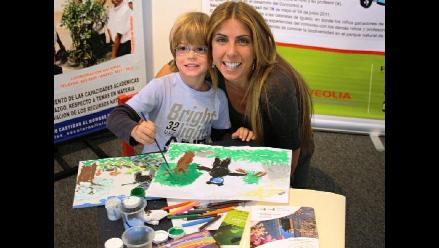 Fiorella Cayo y su hijo Mateo conscientes del cuidado del medio ambiente