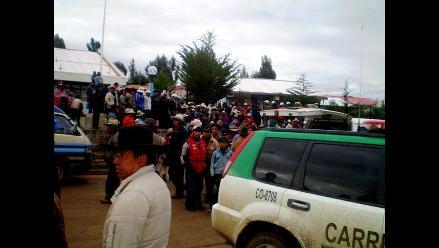 Hallan 17 peruanos ocultos en un camión cerca de la frontera con Chile