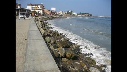 La Libertad: Segundo día de oleajes anómalos afectan labores portuarias