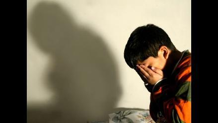 Sujeto es condenado a 20 años de cárcel por morder y quemar a sus hijos