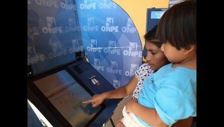 Distrito de Pacarán utilizó el nuevo sistema de voto electrónico presencial