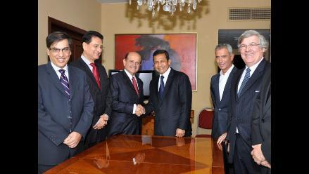 Humala se reunió con alcaldesa de Lima, jefes del APRA y empresarios