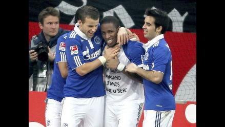 Jefferson Farfán evalúa prolongar contrato con Schalke 04 hasta 2015