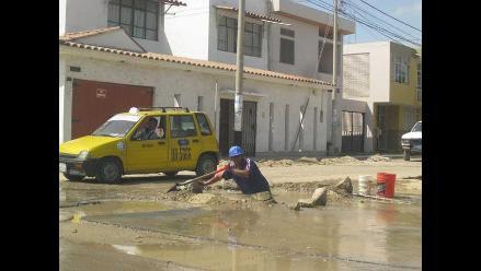 Piura: Evacuación de aguas servidas afecta a pobladores de Sullana