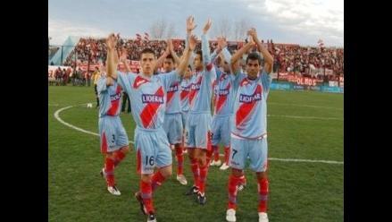 Arsenal de Sarandí vence a Estudiantes y clasifica a la Sudamericana