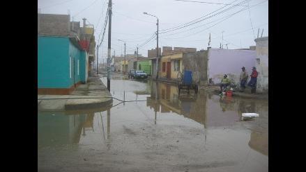 Extraen agua de calles afectadas por oleajes anómalos en Trujillo