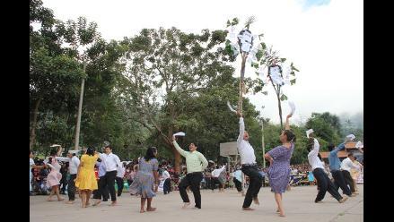 Pobladores de Moyobamba siembran 300 palmeras por fiesta de San Pedro