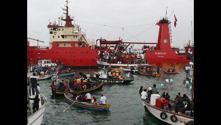 Pescadores celebran su día con procesión de San Pedro en el Callao
