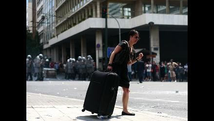 Gobierno griego teme que violentas protestas en Atenas afecten turismo
