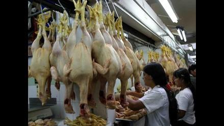 Kilo de pollo en pie se mantiene entre S/. 4.60 Y S/. 4.80