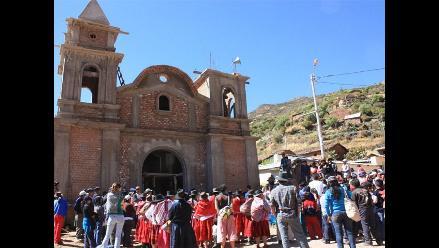 Centro de Culturas Indígenas donó esculturas a Iglesia en Ayacucho