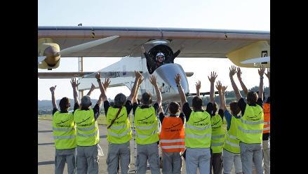 Solar Impulse regresa a Suiza después de primera salida internacional