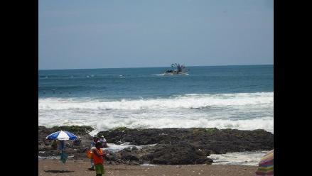 Alertan presencia de oleajes anómalos frente a las costas de Chimbote