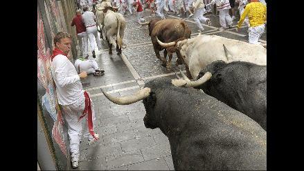 Cuarto encierro de San Fermín con toros de legendaria ganadería Miura
