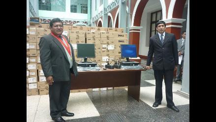 Junín: Delincuentes abandonan laptops robadas a colegio en Chanchamayo