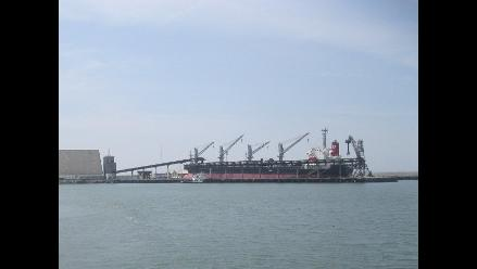Cierran puertos marítimos por oleajes irregulares en La Libertad