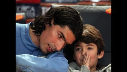 Sebastián Abreu entre risas: A Messi hay que