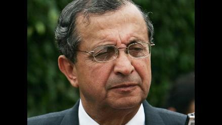 Mora afirma que se puede solucionar problema de salarios a FFAA