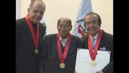 Perú: condecoran a personalidades meritorias de la música