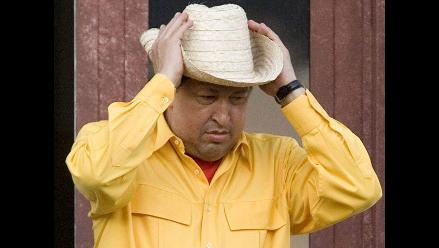 Hugo Chávez anuncia que probablemente aparecerá calvo