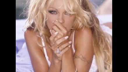 Pamela Anderson celebró por lo alto sus 44 años