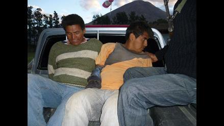 Capturan a cinco sujetos cuando robaban panel solar en Huánuco