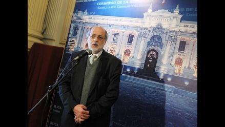 Abugattás en contra de convocar Asamblea Constituyente
