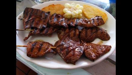 Destacan a los anticuchos como muestra de la rica gastronomía peruana