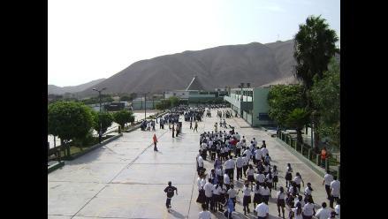Más de ocho millones de escolares participan en simulacro de sismo