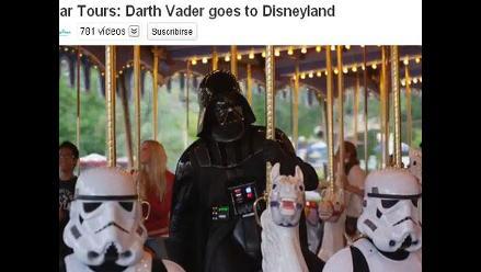Darth Vader visita Disneylandia con sus soldados imperiales