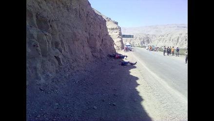 Tacna: Guardián que conducía moto muere al empotrarse contra un cerro