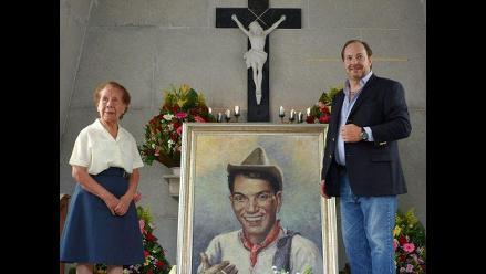 Rosas, gladiolos y elogios en la tumba de Cantinflas en su centenario