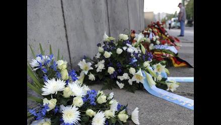 Berlín rinde homenaje a muertos del muro en aniversario de construcción