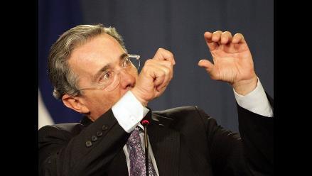 Capturan a hacker que pirateó redes sociales de Álvaro Uribe